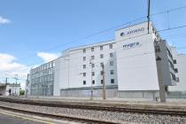 Wohngebäude neben S-Bahn: Schwingungsisolierung mit Regupol Vibration